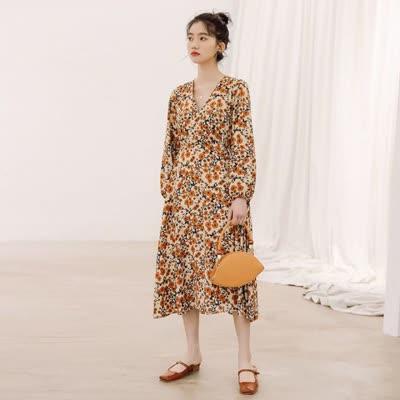 货号87737#,2020春季新款长袖碎花裙中长款印花连衣裙杏色,颜色:黑色、杏色