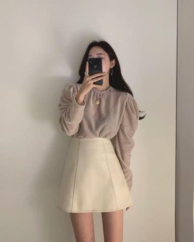 早春新款 复古气质褶皱泡泡袖圆领衬衫简约时尚半身裙套装