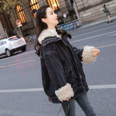 货号8068#,实拍2019冬装新款加绒加厚黑色牛仔外套女中长款羊卷毛工装棉衣潮