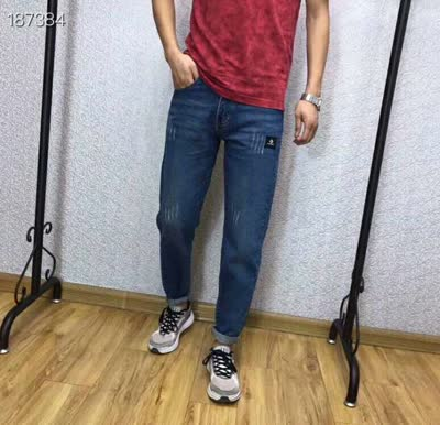 男款时尚休闲牛仔裤