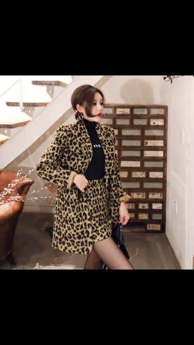 爆新款2019冬韩版气质双排扣西装外套时尚包臀裙豹