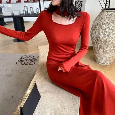 新年战裙气质挂脖羊毛针织连衣裙女秋冬修身中长款长裙黑