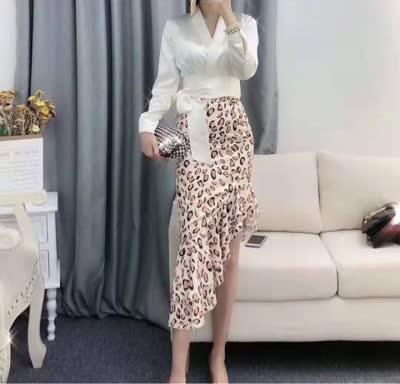 2020春裝新款明星同款高端定制真絲緞面襯衫+豹紋魚尾半身裙 SML