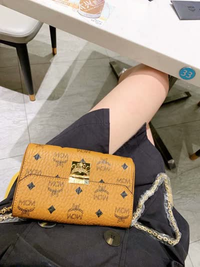 原单斜挎链条包,手包 原色MC锁扣时尚款,气质