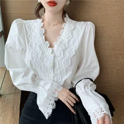 春装法式蕾丝花边V领泡泡袖宽松长袖娃娃衫设计感小众衬衫