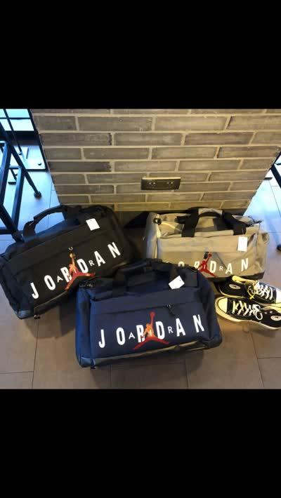 新款旅行包休闲手提包单肩包户外篮球足球潮流男包