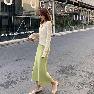 2020春装新款纯色针织开衫+单排扣吊带裙两件套