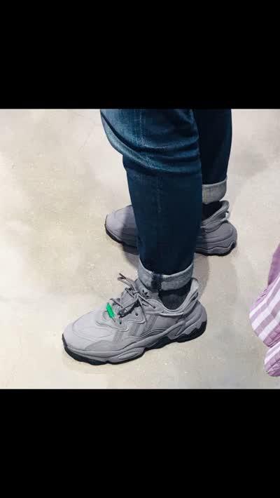 原单渠道 正品订单 Ozweego adiPRENE 灰 缓震复古老爹休闲运动慢跑鞋 官方货号#EE7001