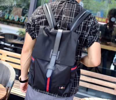 20新款休闲男士防水布搭配牛皮双肩包 多功能大容量背包登山旅行包电脑包男包