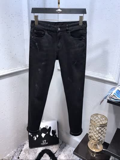 新款牛仔裤 定制微弹面料  原厂五金 简单大方 时尚百搭