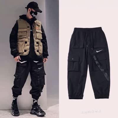 千呼万唤,春季薄款出货 Nike Swoosh 机能多口袋反光工装神裤